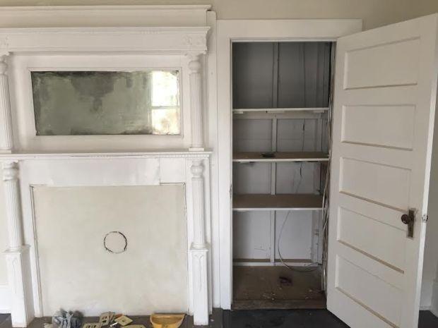 lounge-closet